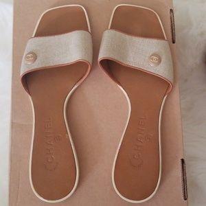d3b56bdde8f6 Women s Chanel Slide Sandals on Poshmark